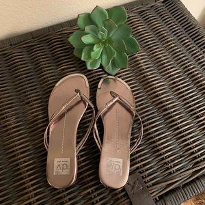 Dolce Vita metallic flip flops